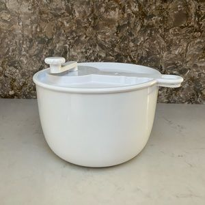 Other - Large Salad Spinner